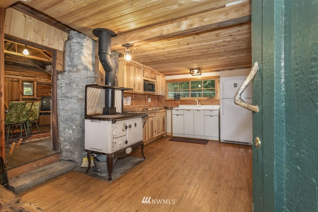 Sold Property   6522 NE Cedar Street Suquamish, WA 98392 3