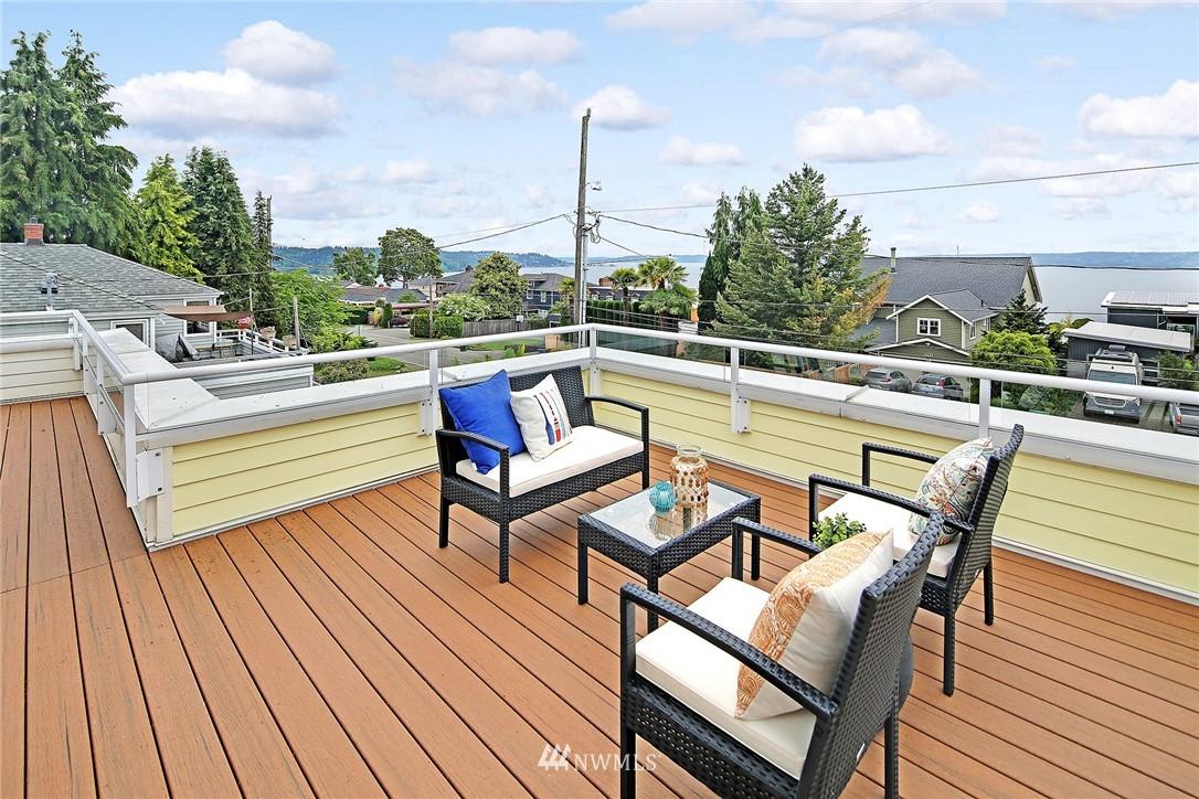 Sold Property   11270 Marine View Drive SW Seattle, WA 98146 3