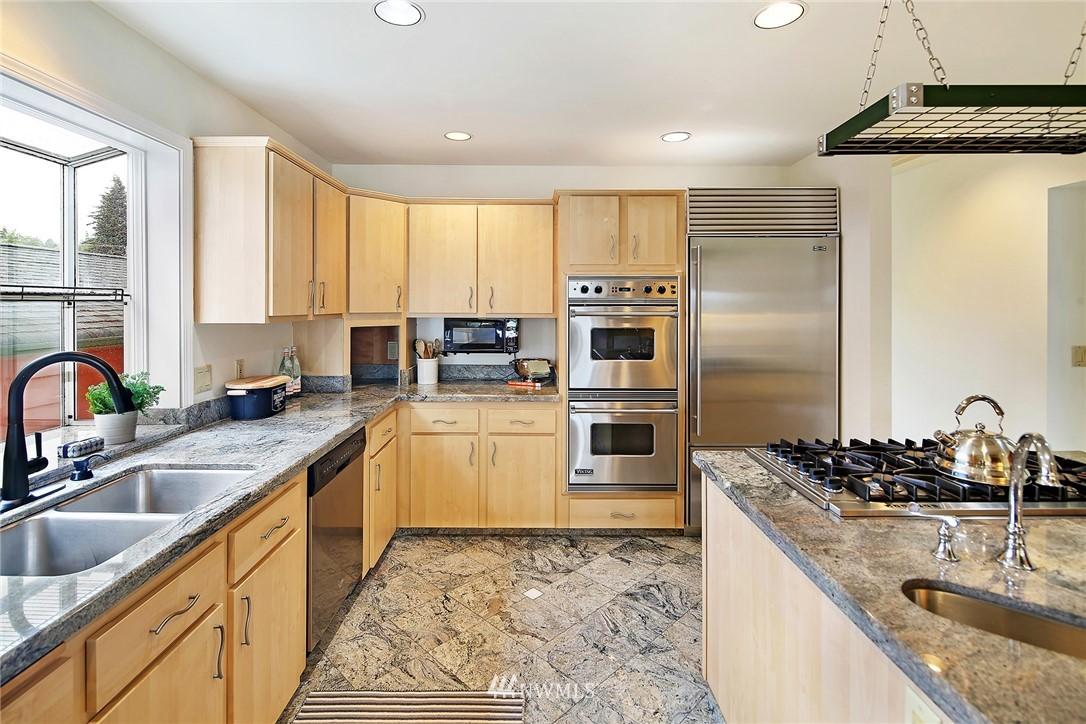 Sold Property   11270 Marine View Drive SW Seattle, WA 98146 9
