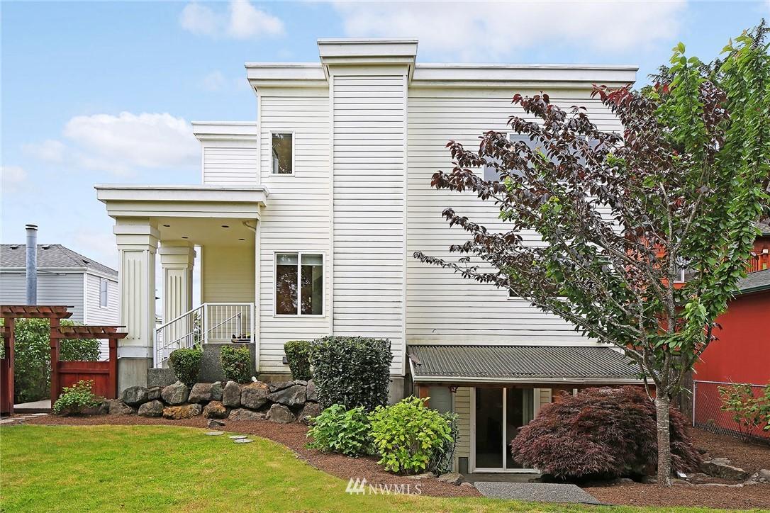 Sold Property   11270 Marine View Drive SW Seattle, WA 98146 25