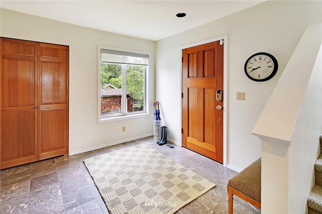Sold Property   11270 Marine View Drive SW Seattle, WA 98146 4