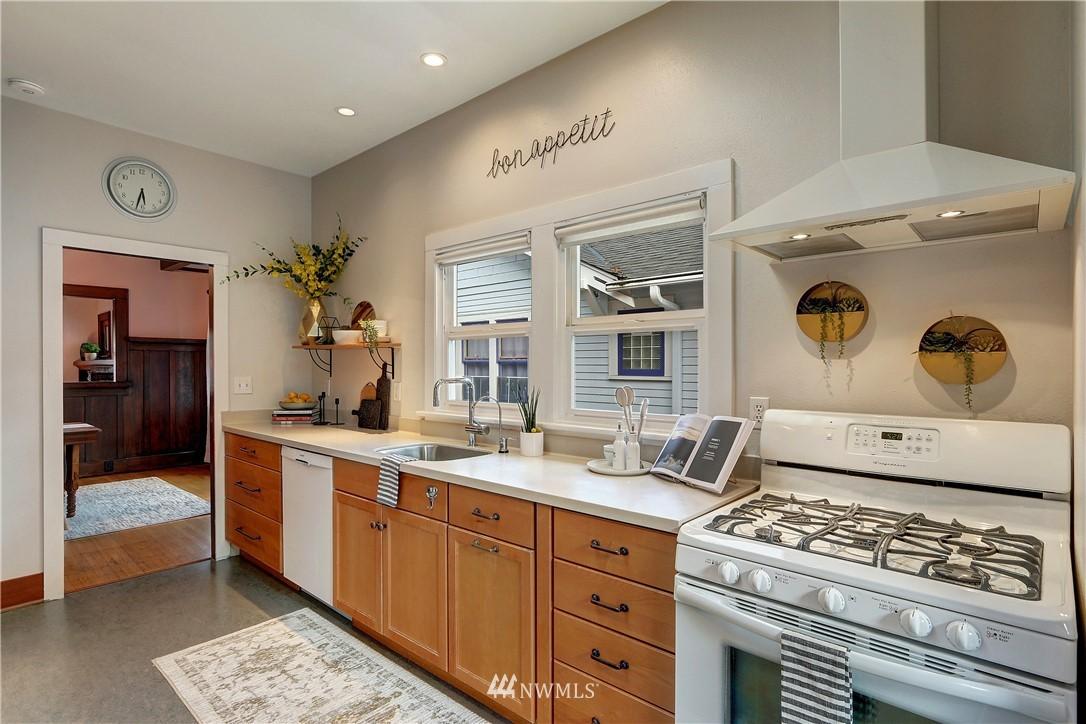 Sold Property   4655 Eastern Avenue N Seattle, WA 98103 8
