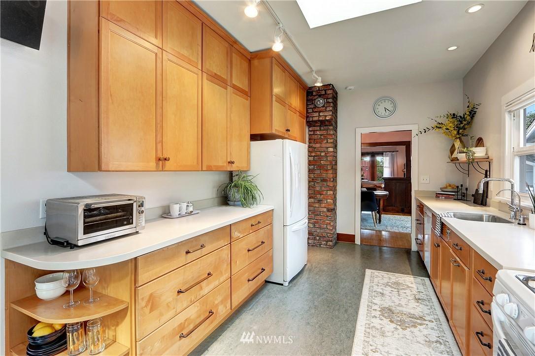 Sold Property   4655 Eastern Avenue N Seattle, WA 98103 9