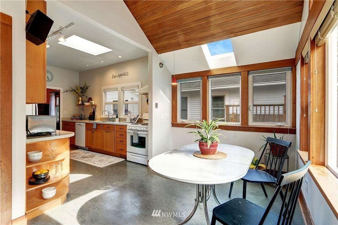 Sold Property   4655 Eastern Avenue N Seattle, WA 98103 11
