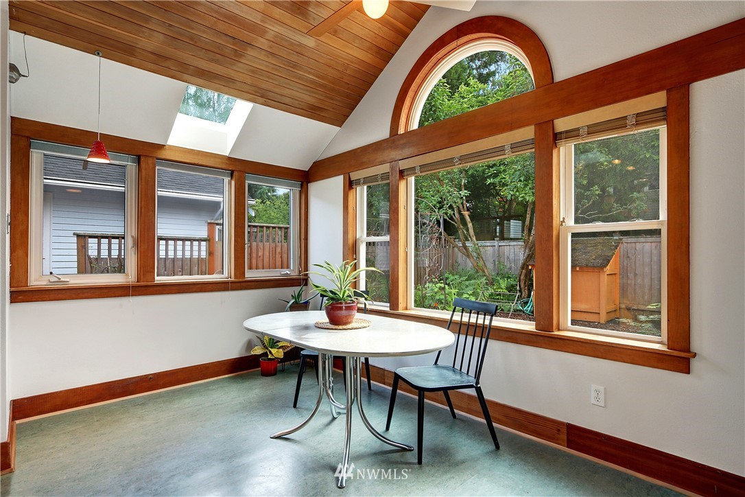 Sold Property   4655 Eastern Avenue N Seattle, WA 98103 12