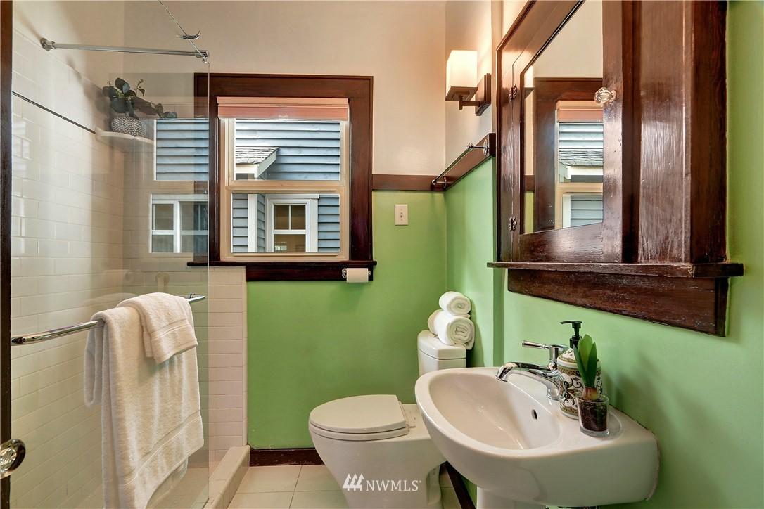 Sold Property   4655 Eastern Avenue N Seattle, WA 98103 15