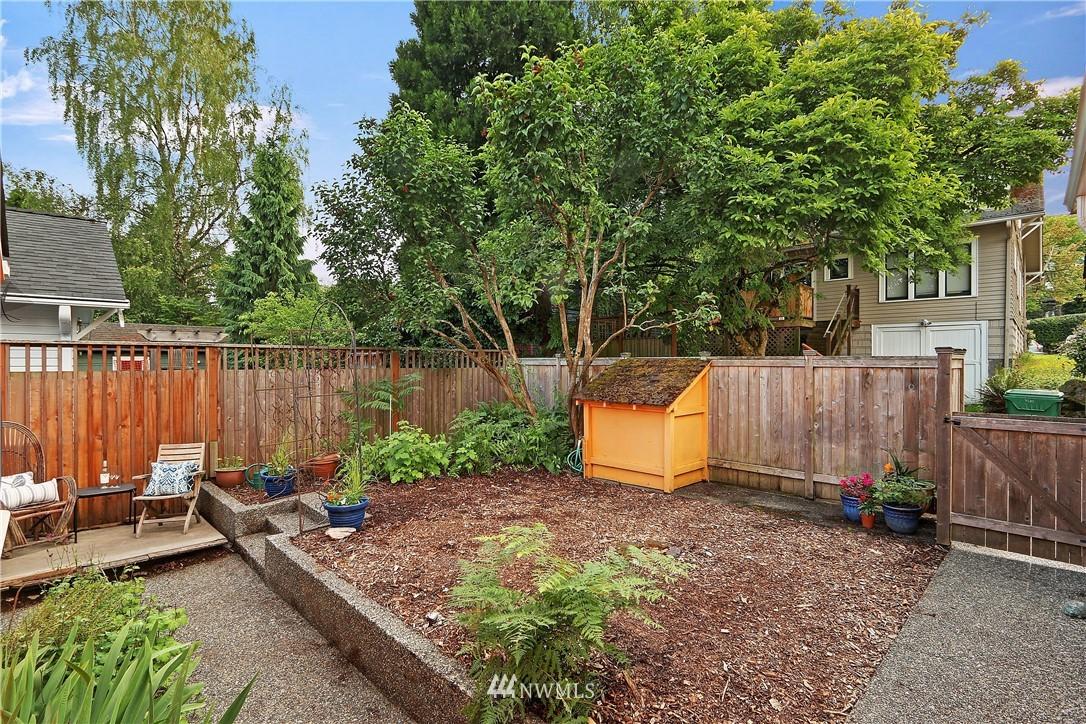Sold Property   4655 Eastern Avenue N Seattle, WA 98103 23