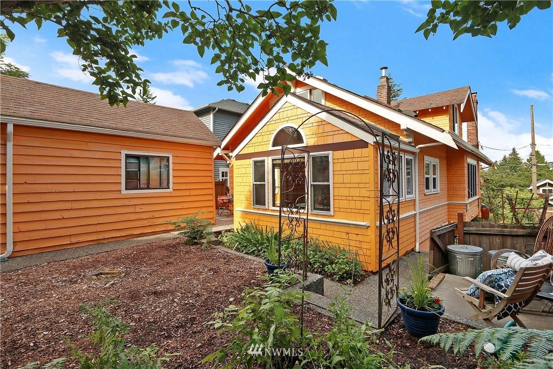 Sold Property   4655 Eastern Avenue N Seattle, WA 98103 24