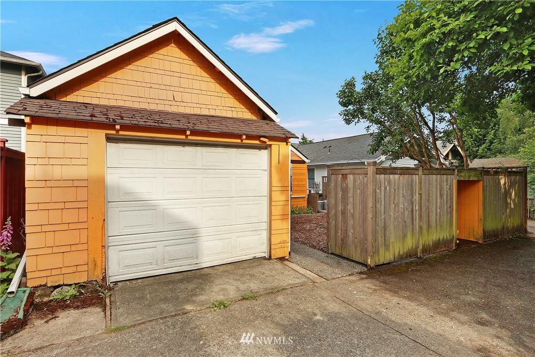 Sold Property   4655 Eastern Avenue N Seattle, WA 98103 26