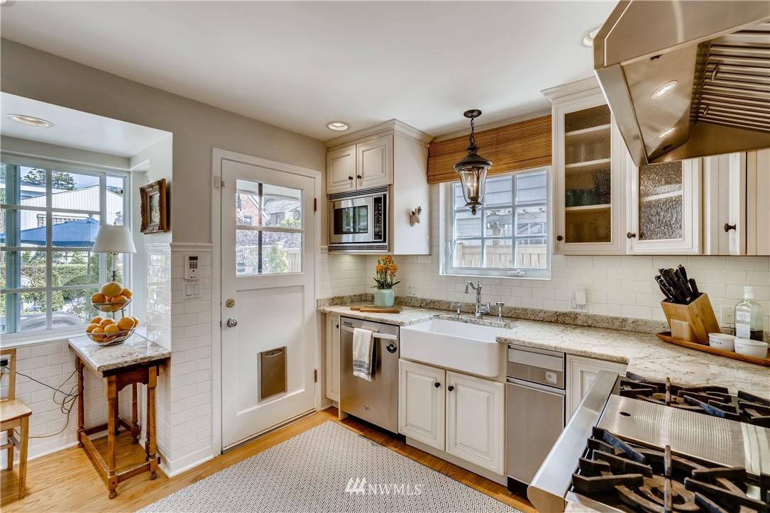 Sold Property   3022 42nd Avenue W Seattle, WA 98199 6