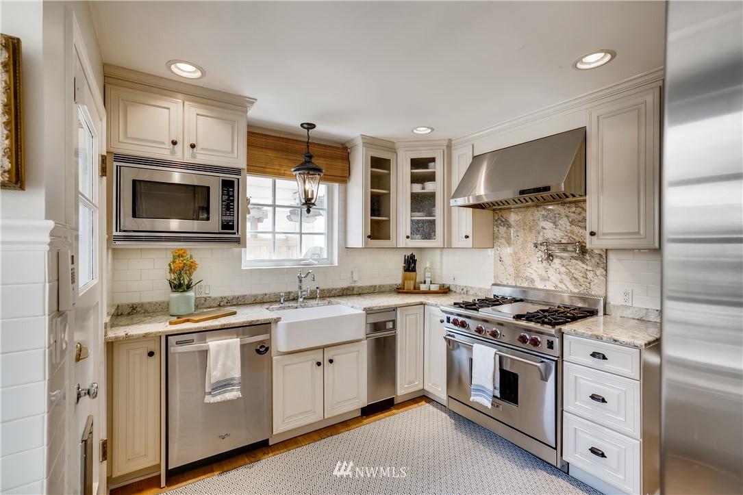 Sold Property   3022 42nd Avenue W Seattle, WA 98199 7