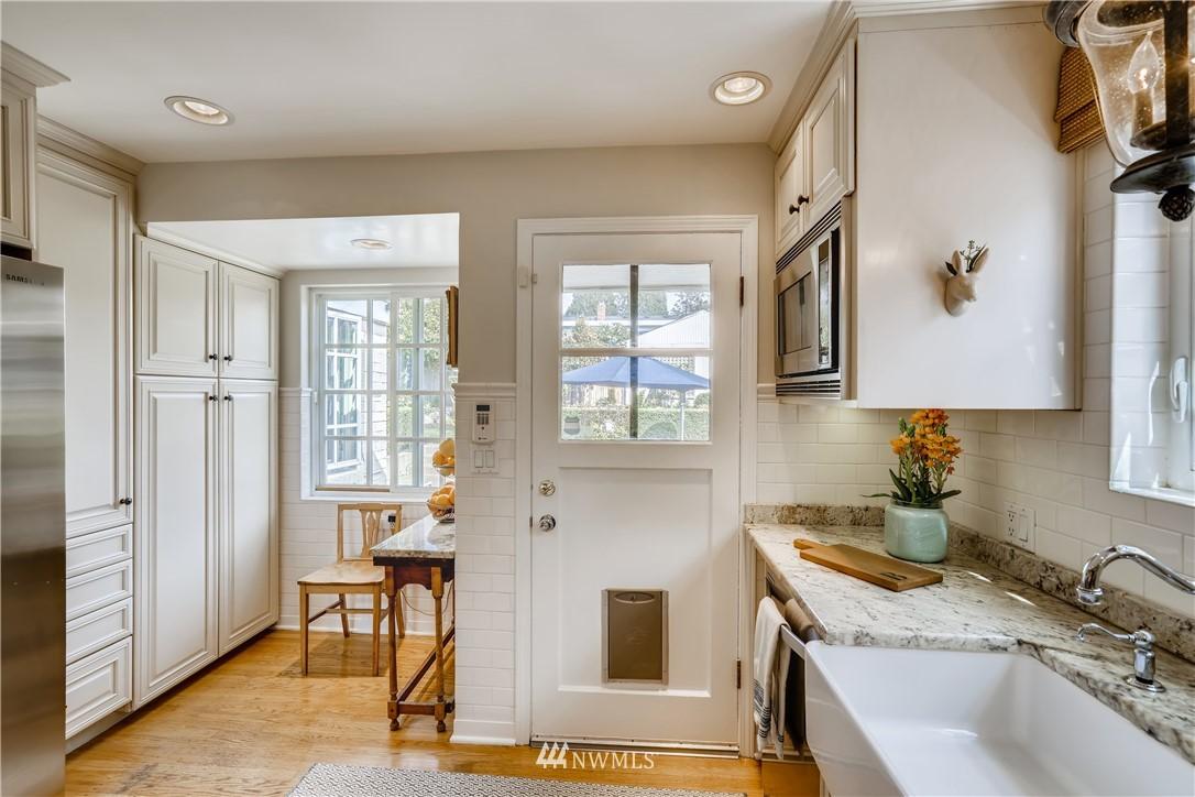Sold Property   3022 42nd Avenue W Seattle, WA 98199 8