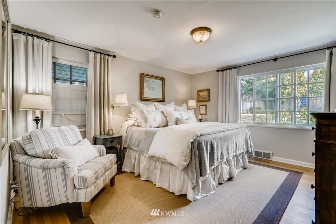 Sold Property   3022 42nd Avenue W Seattle, WA 98199 10
