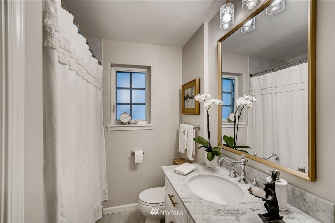 Sold Property   3022 42nd Avenue W Seattle, WA 98199 14
