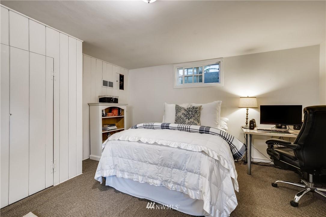 Sold Property   3022 42nd Avenue W Seattle, WA 98199 18