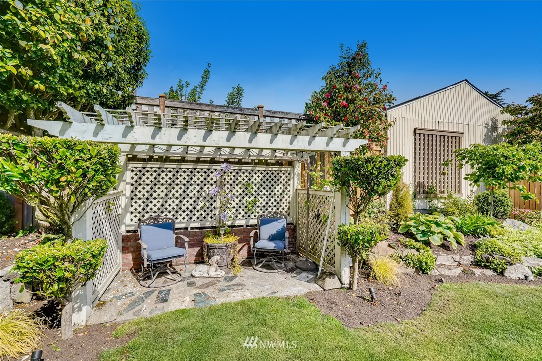 Sold Property   3022 42nd Avenue W Seattle, WA 98199 27