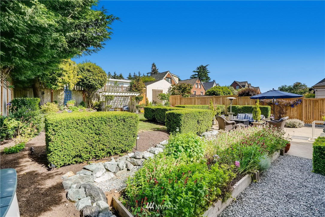 Sold Property   3022 42nd Avenue W Seattle, WA 98199 28