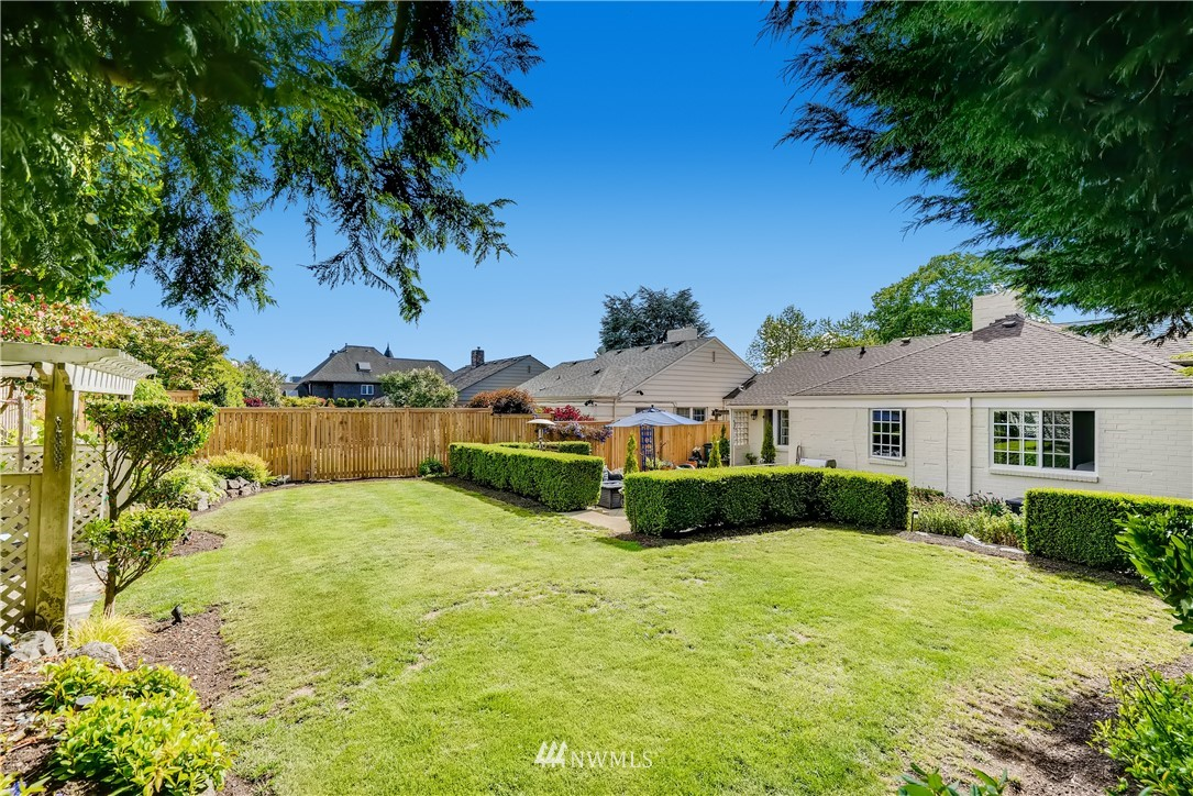 Sold Property   3022 42nd Avenue W Seattle, WA 98199 29