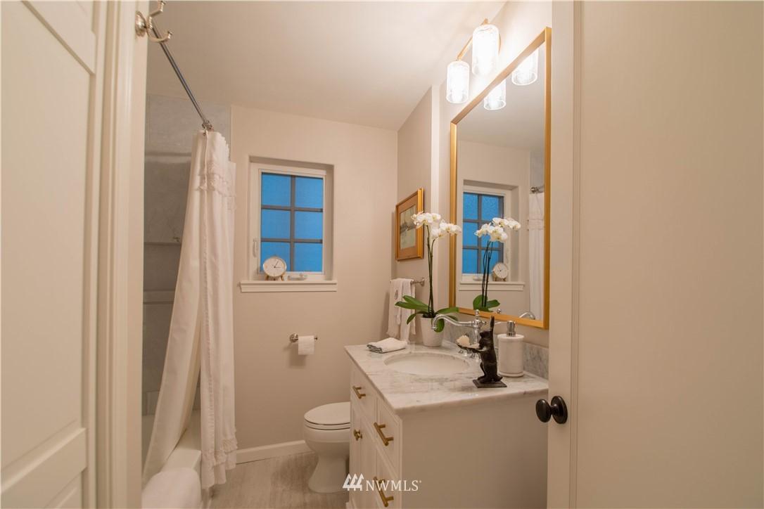 Sold Property   3022 42nd Avenue W Seattle, WA 98199 13