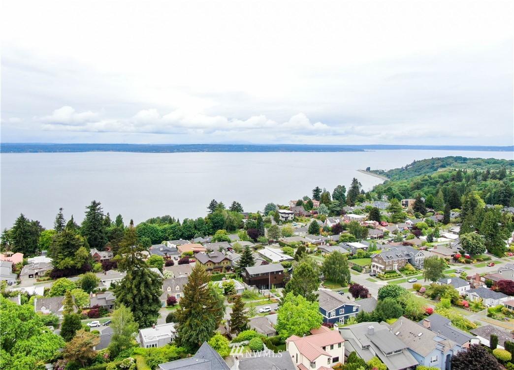 Sold Property   3022 42nd Avenue W Seattle, WA 98199 34