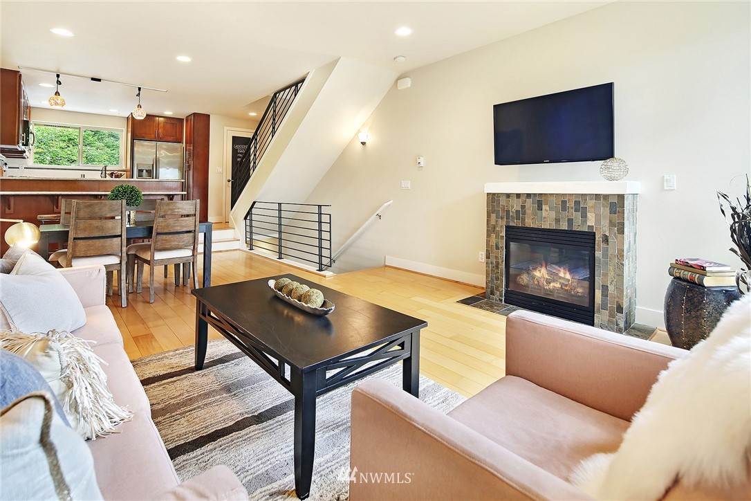 Sold Property | 10532 24th Avenue NE Seattle, WA 98125 4