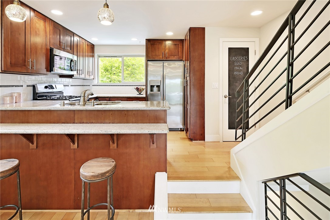 Sold Property | 10532 24th Avenue NE Seattle, WA 98125 6