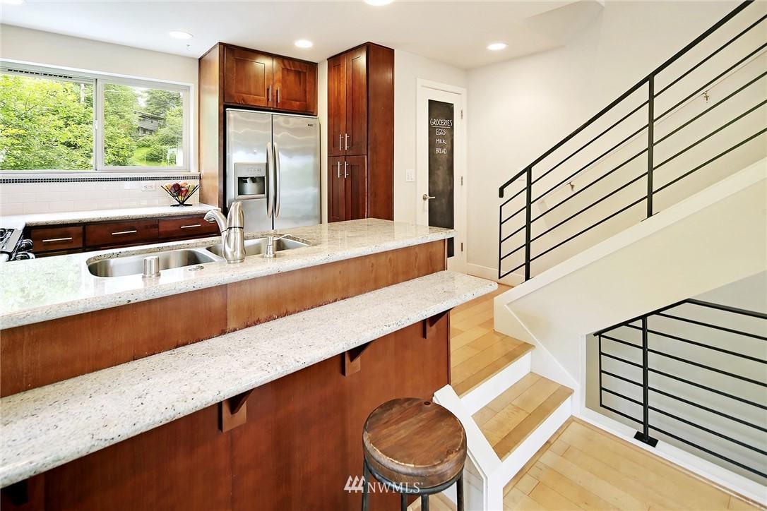 Sold Property | 10532 24th Avenue NE Seattle, WA 98125 8