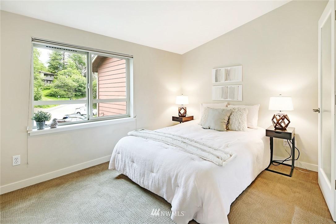 Sold Property | 10532 24th Avenue NE Seattle, WA 98125 9