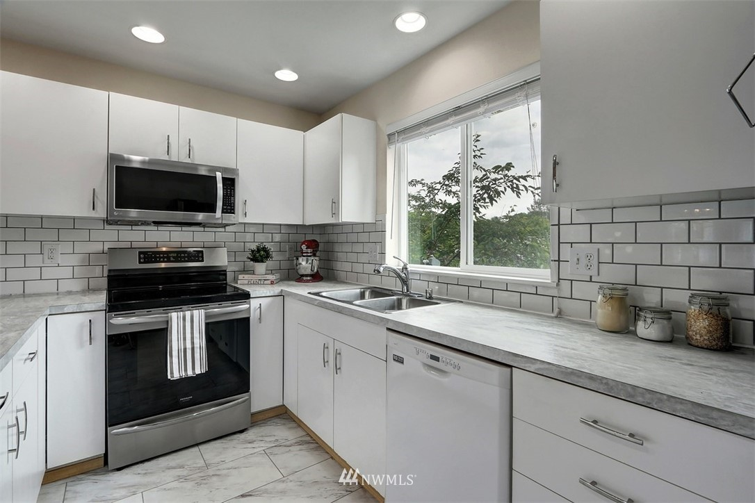 Sold Property | 2414 SW Holden Street #F Seattle, WA 98106 7