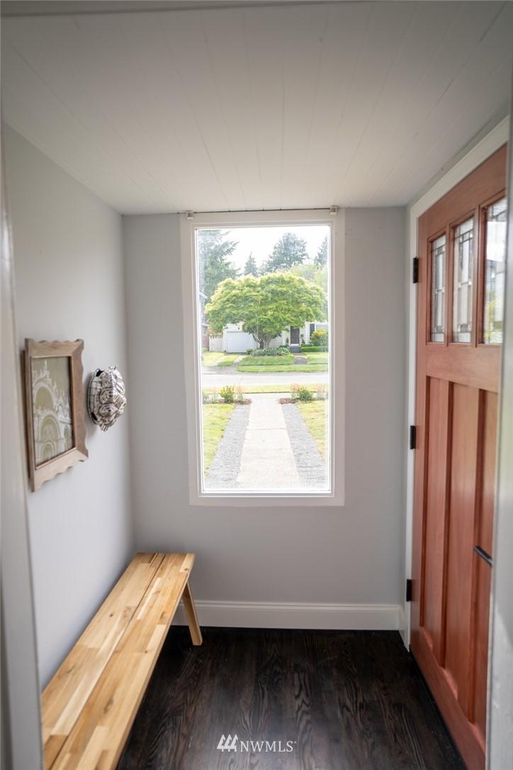 Sold Property | 2824 35th Avenue W Seattle, WA 98199 1