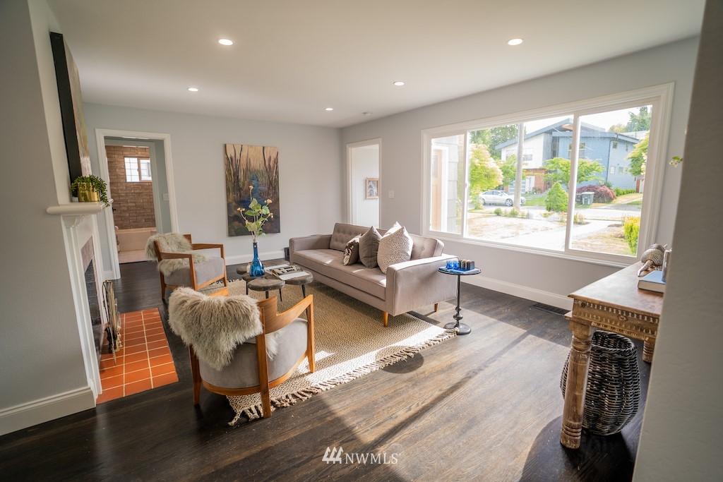 Sold Property | 2824 35th Avenue W Seattle, WA 98199 5