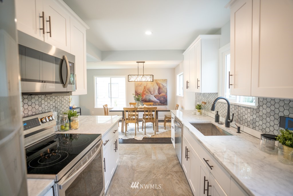 Sold Property | 2824 35th Avenue W Seattle, WA 98199 9