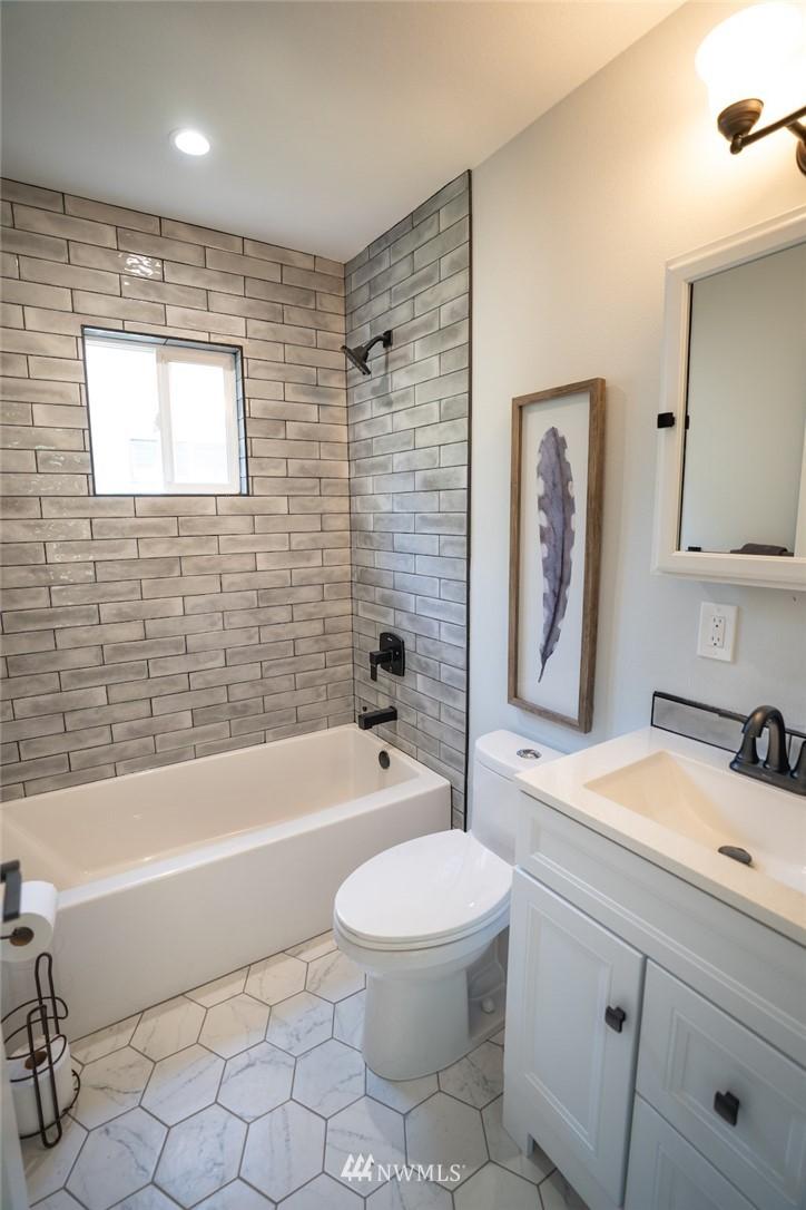 Sold Property | 2824 35th Avenue W Seattle, WA 98199 12