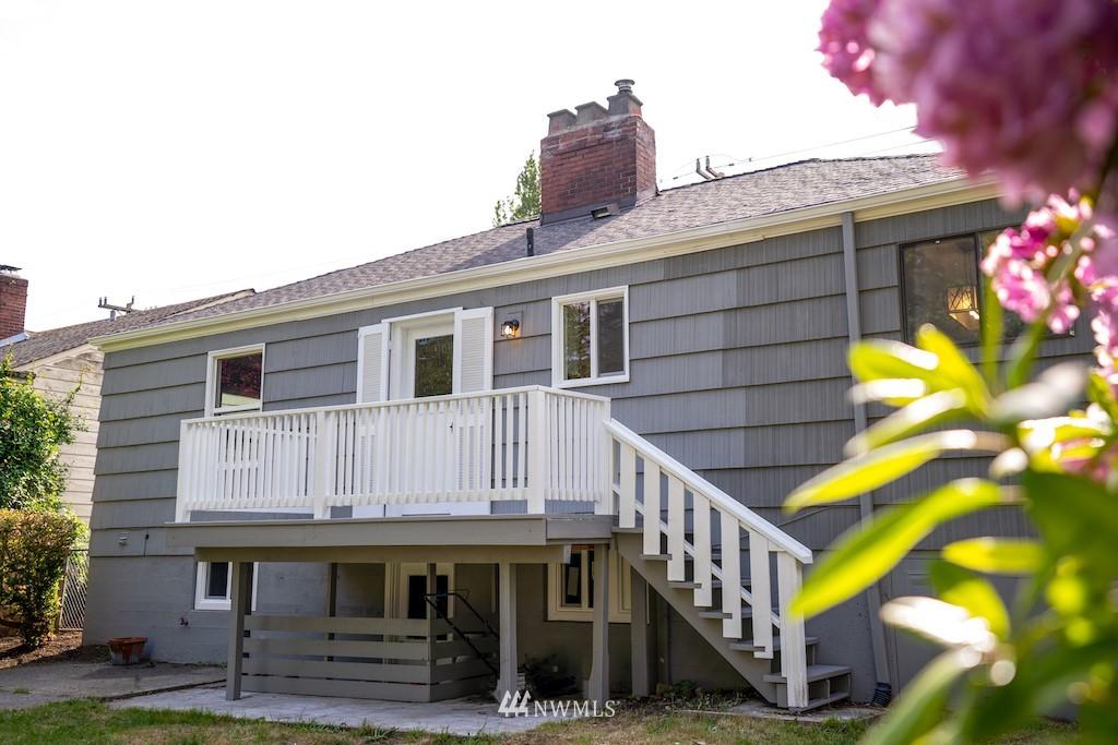 Sold Property | 2824 35th Avenue W Seattle, WA 98199 21