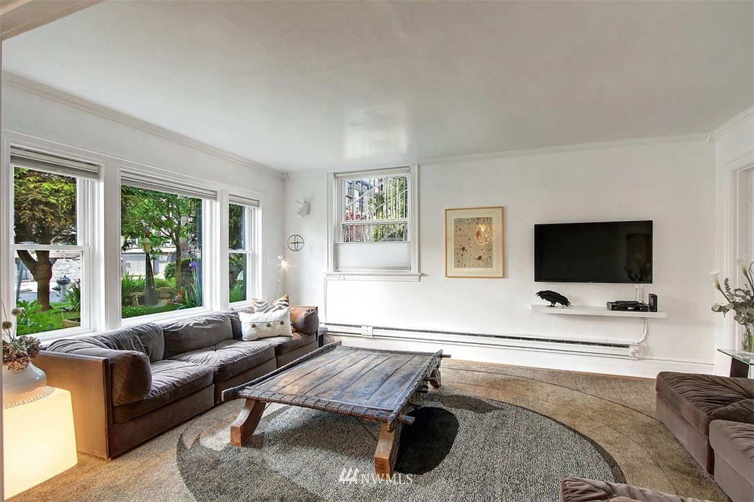 Sold Property   1136 13th Avenue #B Seattle, WA 98122 2
