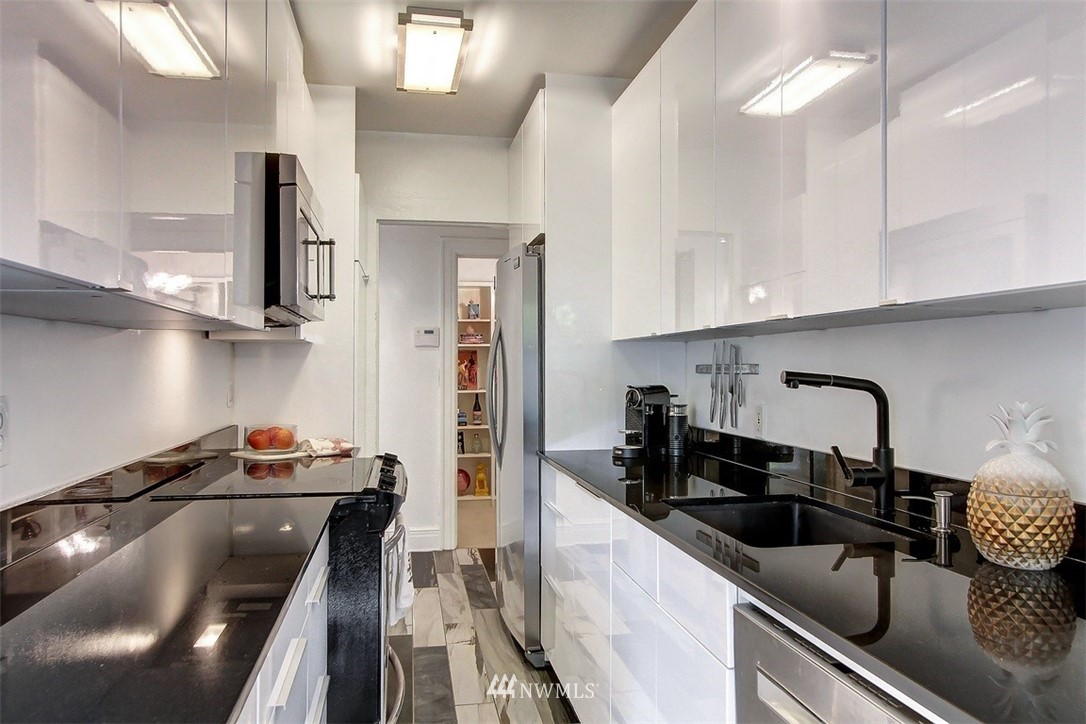 Sold Property   1136 13th Avenue #B Seattle, WA 98122 7