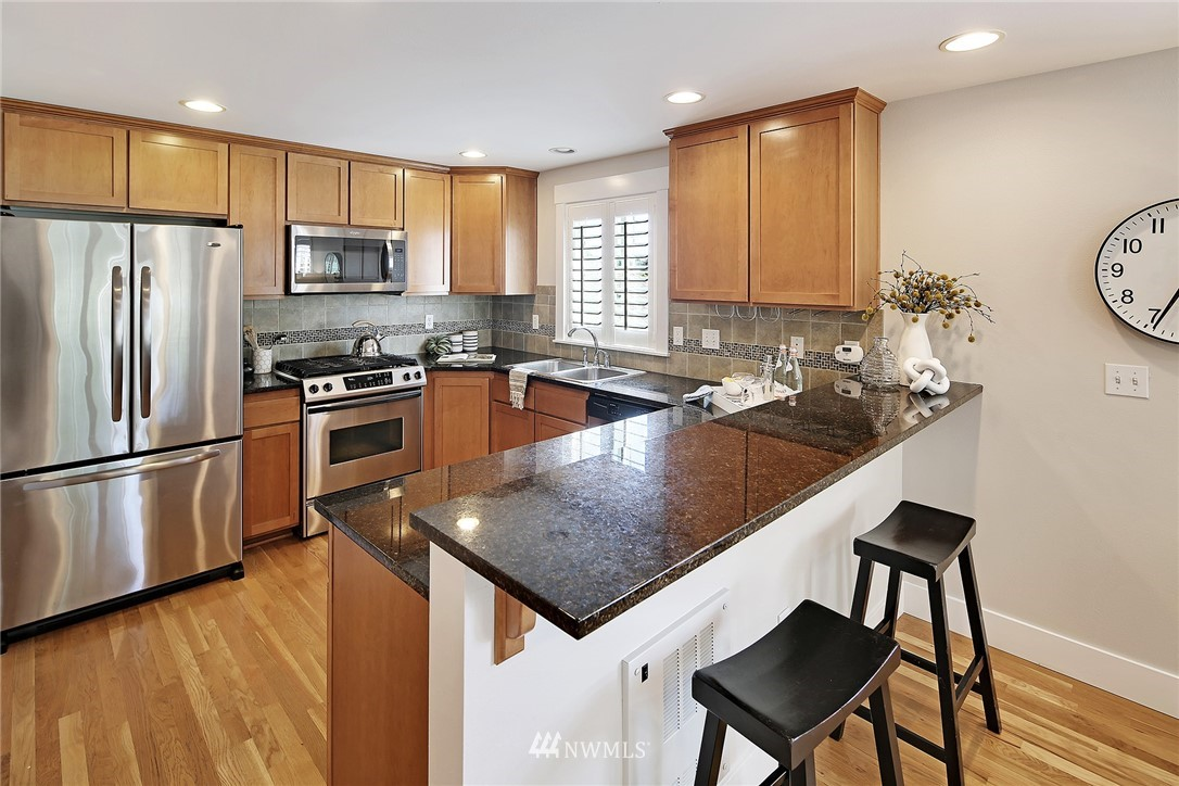 Sold Property   8405 8th Avenue NW #A Seattle, WA 98117 4