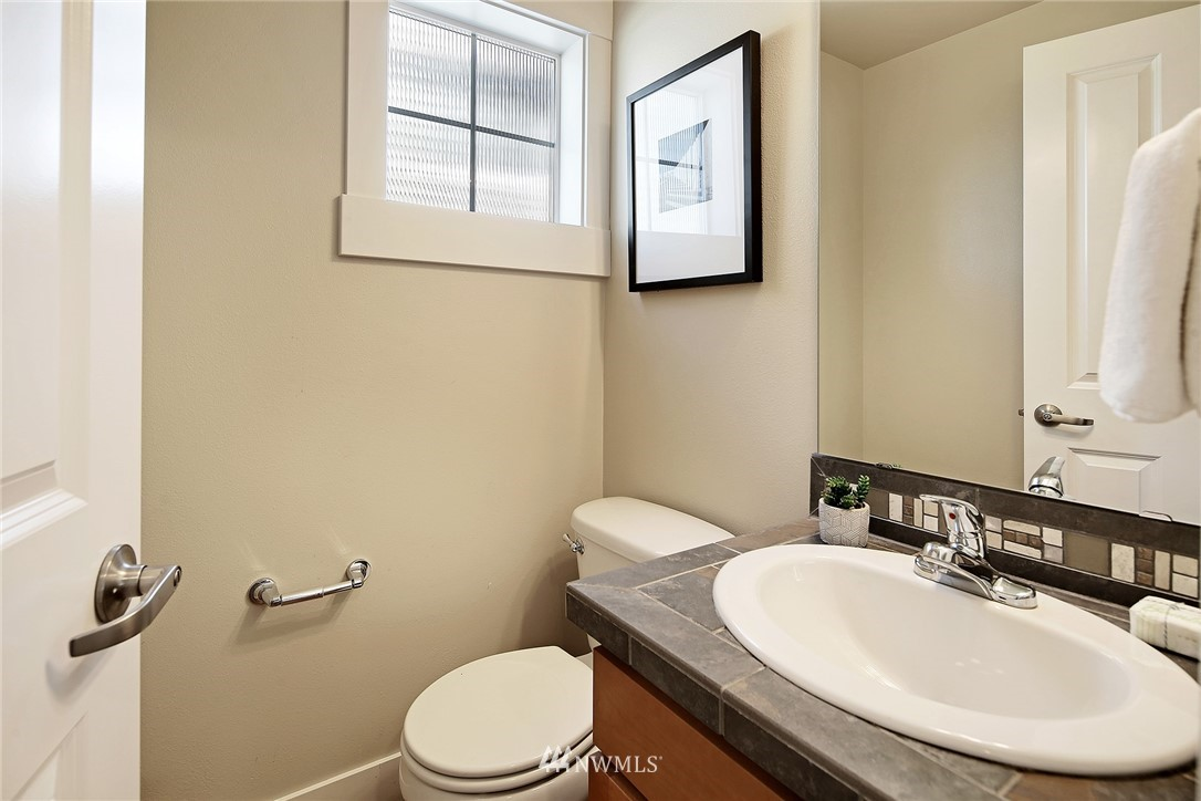 Sold Property   8405 8th Avenue NW #A Seattle, WA 98117 12