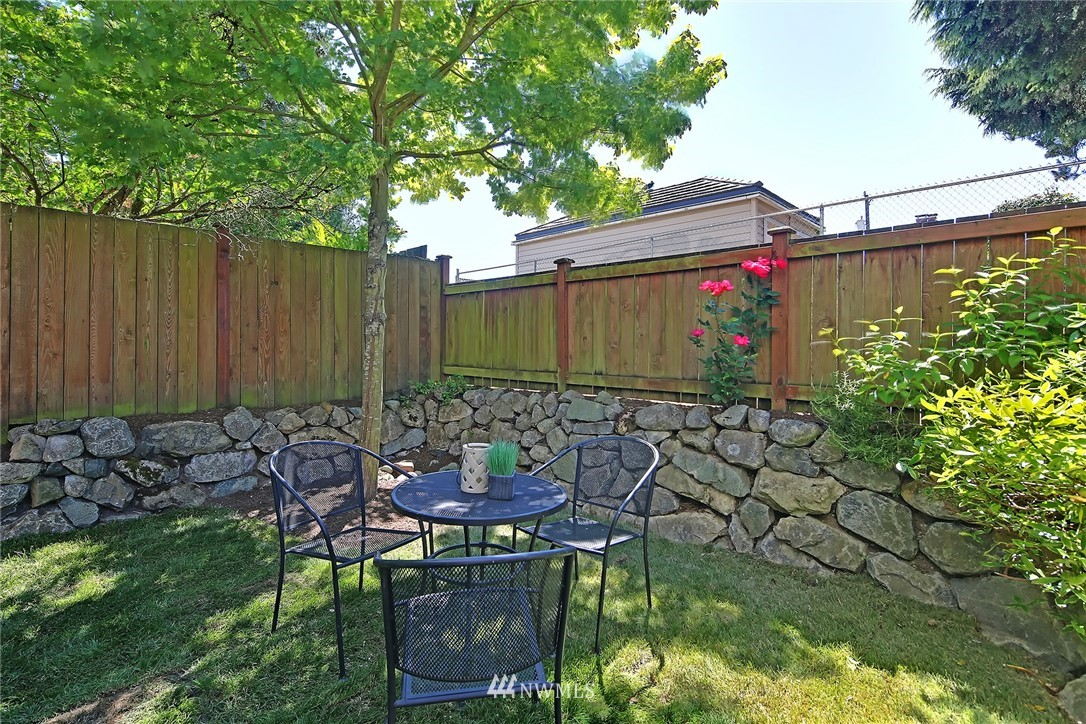 Sold Property   8405 8th Avenue NW #A Seattle, WA 98117 14