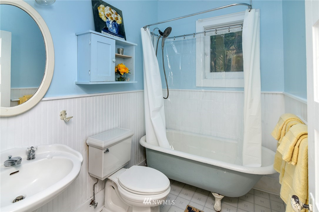 Sold Property   15015 Washington Avenue NE Bainbridge Island, WA 98110 11