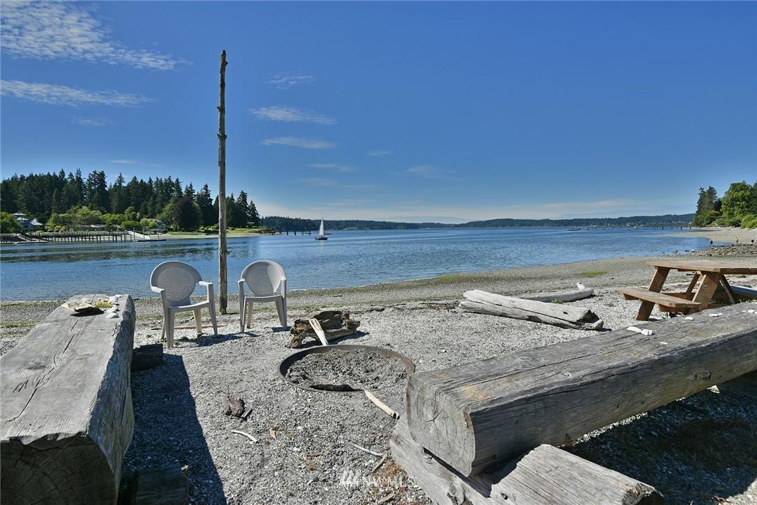 Sold Property   15015 Washington Avenue NE Bainbridge Island, WA 98110 24