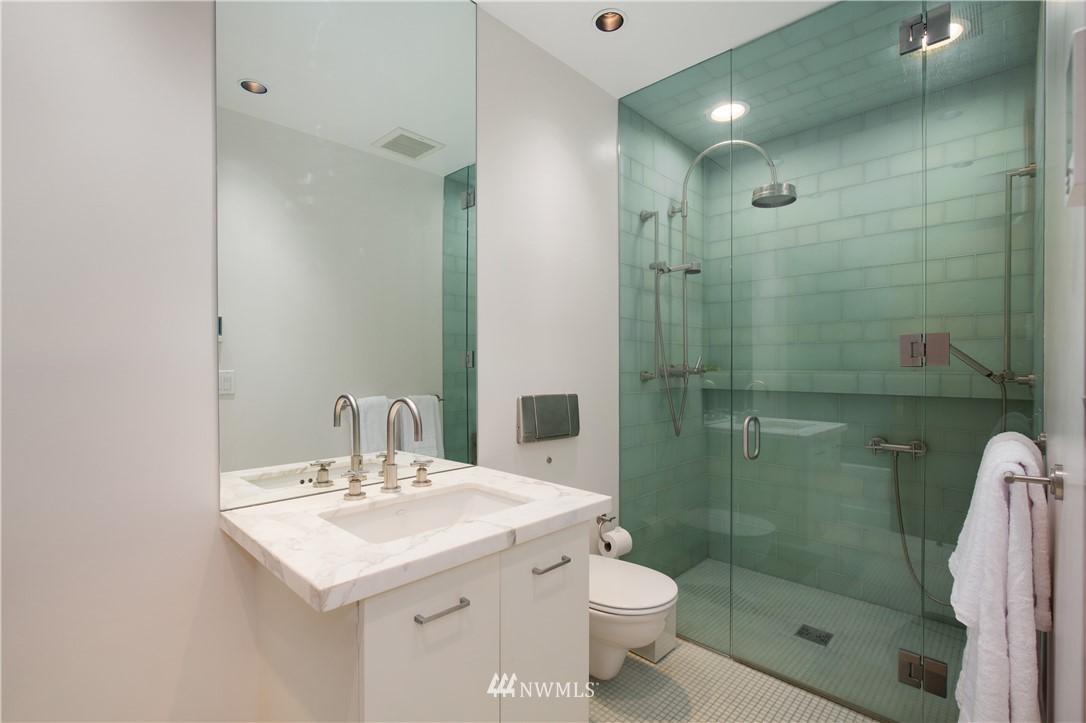 Sold Property   1217 Willard Avenue W Seattle, WA 98119 18