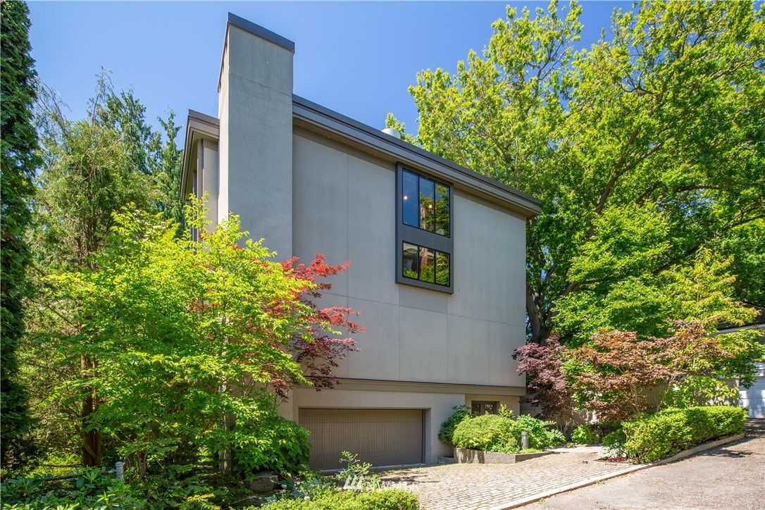 Sold Property   1217 Willard Avenue W Seattle, WA 98119 0