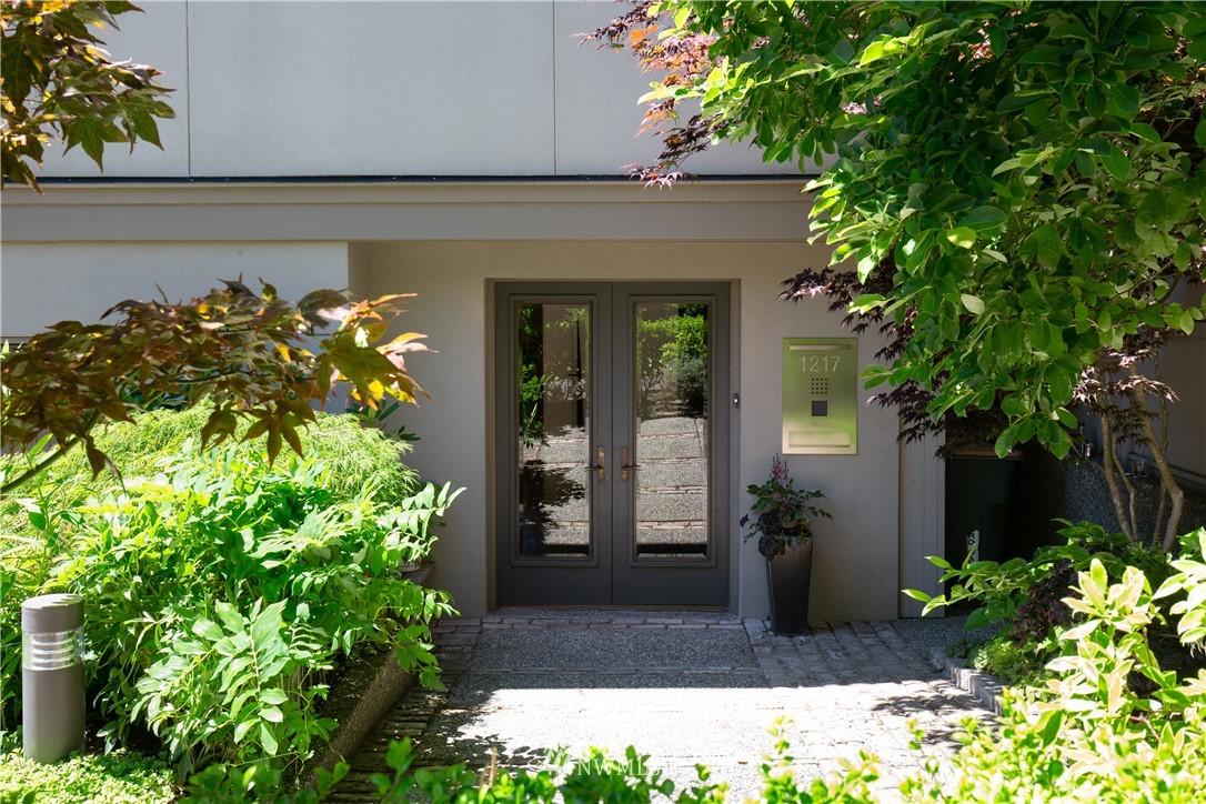 Sold Property   1217 Willard Avenue W Seattle, WA 98119 1