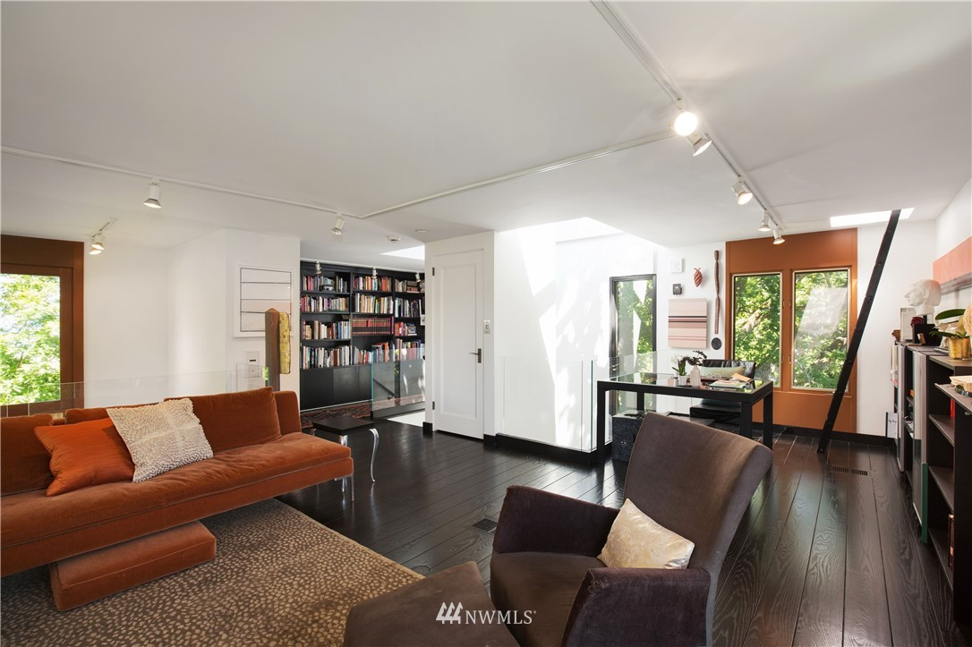 Sold Property   1217 Willard Avenue W Seattle, WA 98119 20