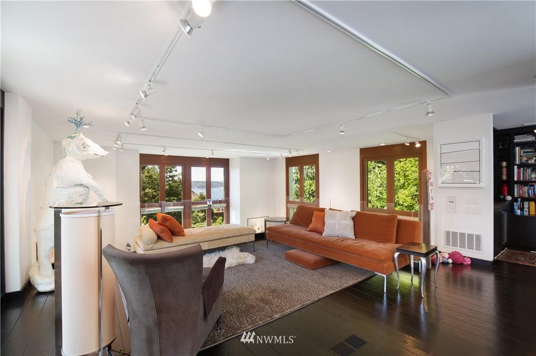 Sold Property   1217 Willard Avenue W Seattle, WA 98119 27