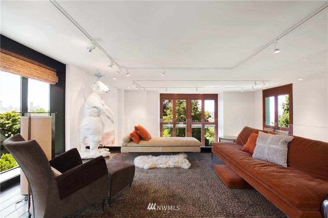 Sold Property   1217 Willard Avenue W Seattle, WA 98119 23