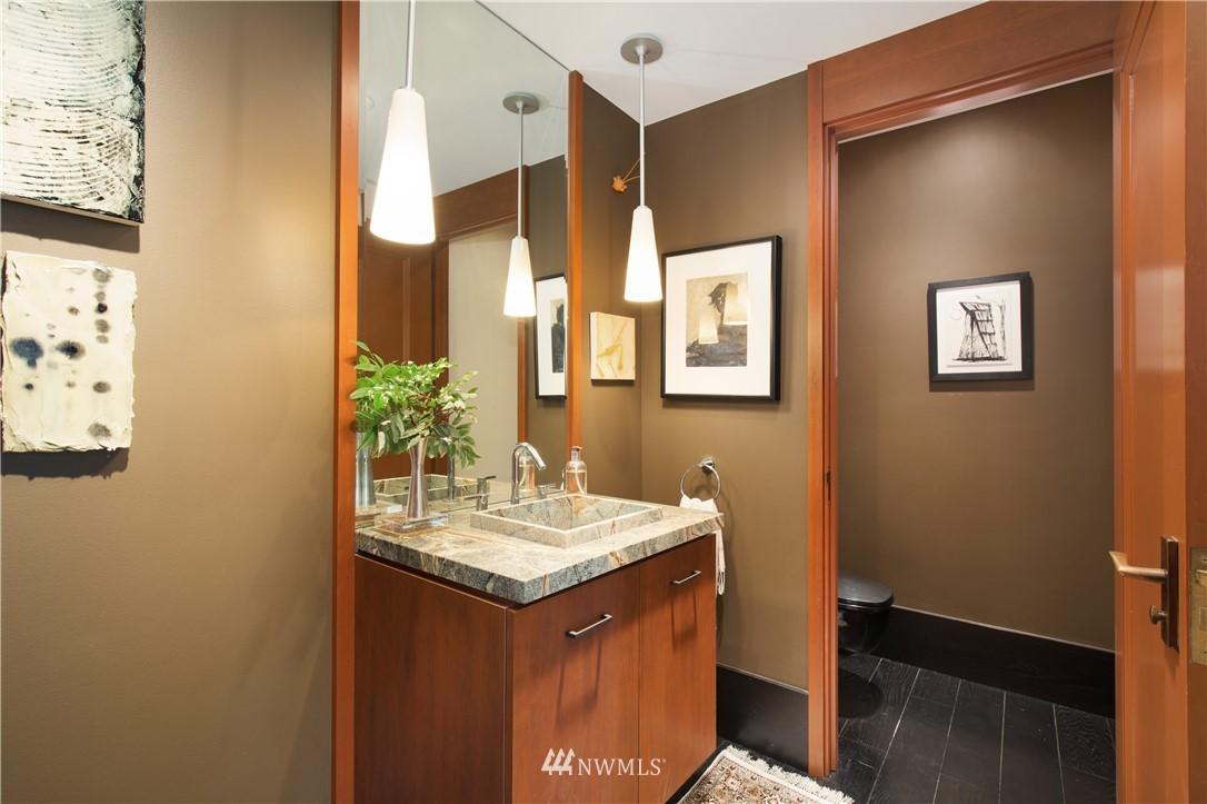 Sold Property   1217 Willard Avenue W Seattle, WA 98119 11