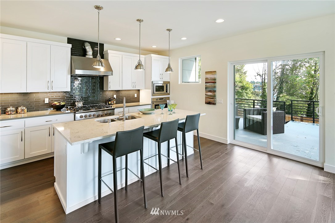 Sold Property   8246 17th Avenue NE Seattle, WA 98115 5