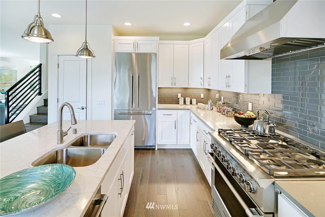 Sold Property   8246 17th Avenue NE Seattle, WA 98115 6